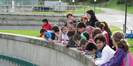 Grupo de escolares visitando nuestras instalaciones